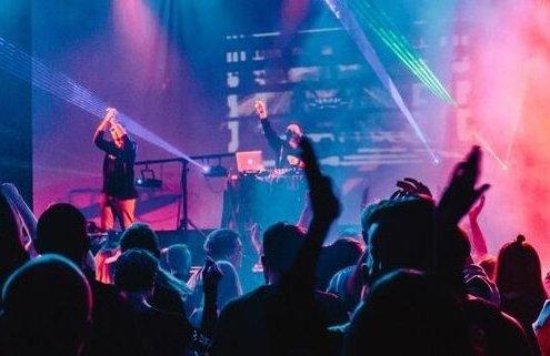 acústica de bares e casas noturnas
